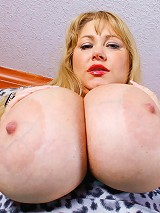 Samantha 38G is back for some hot mature BBW fun. Every ones favorite blonde plumper babe is here to get her mouth fucked and pussy stuffed with big h