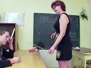 Milf Teacher Seduce 18yr Old Boy To Fuck In School
