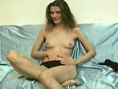 Hairy Cunt Amateur Fucks Her Own Slit