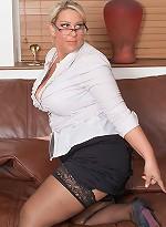 free bbw pics Glamorous-looking chubby...