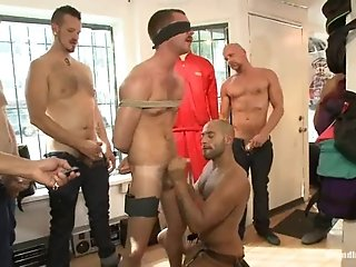 Leo Forte Gives A Rimjob To His Slave Before Smashing His Butt