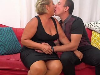 Big Granny Makes Warm Welcome For Boy Hd Porn 9a Xhamster