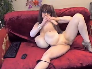 Tall Blonde With Big Boobs Dancing Nuvid