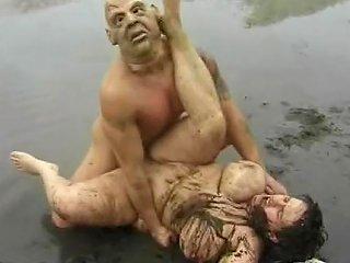 Masked Man Fucks A Bbw In The Mud Free Porn Ff Xhamster