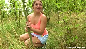 Lusty Teen With Shaved Juicy Beaver Jerks Off In Nature