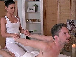 Beautiful Masseuse Grinding Client Before Sex Free Porn 66