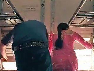 Perneeti Chopra Full Scene Movie Suddhadesi Romance