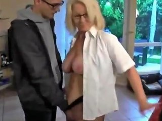 Special Pay For Delivery Guy Txxx Com