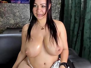 Huge Pretty Tits And Sexy Cam Girl Redtube