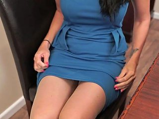 Horn Mad English Nympho Tammie Lee Undresses To Play With Her Twat