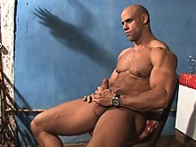 Muscle Daddy New Cummer Buck Branson makes his glorious debut on MuscleHunks.com!
