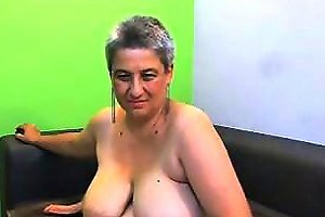 Chunky Mature Woman With Huge Boobs Makes Herself Cum For T