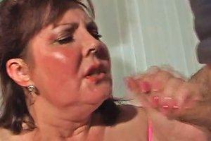 Les Grosses Ont Le Coeur Chaud Free Mature Porn Video 52
