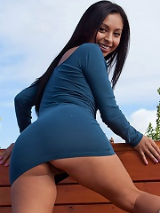 Nubiles.net Jenifer Curves - Babe Jenifer Curves shows off her little boobs and shaved pussy on a rooftop