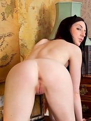 Nubiles.net Samantha Bentley - Busty coed gets bored of homework and fucks a marker