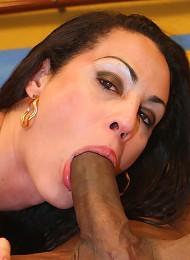 Brazilian tranny Rabeche Ray...