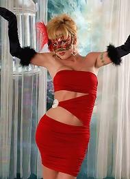 Transsexual babe seducing yo...