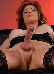 Hot Tgirl MILF Playing With Her Fat Sexy Dick