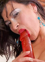 Sexy mature babe Alejandra enjoys double penetration